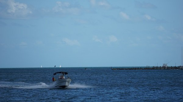 speed boats by the Warwick Bahamas