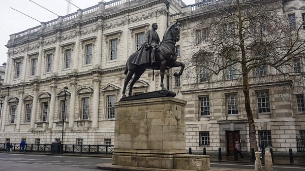London in 4 Days - Walking down Whitehall