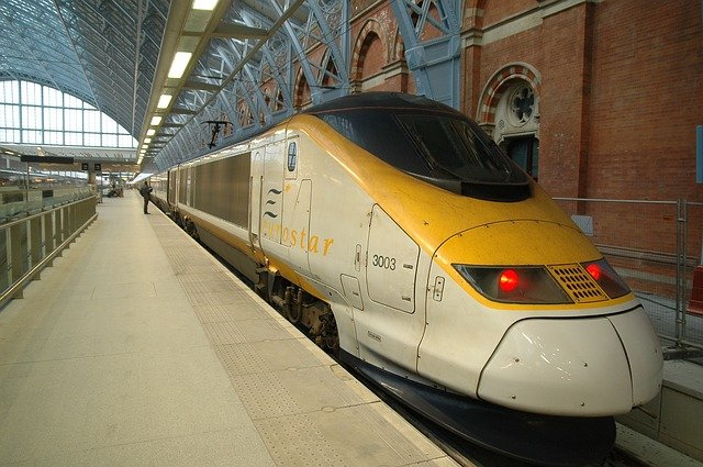 2 Days in Paris Itinerary: Take the Eurostar from London to Paris high-speed train
