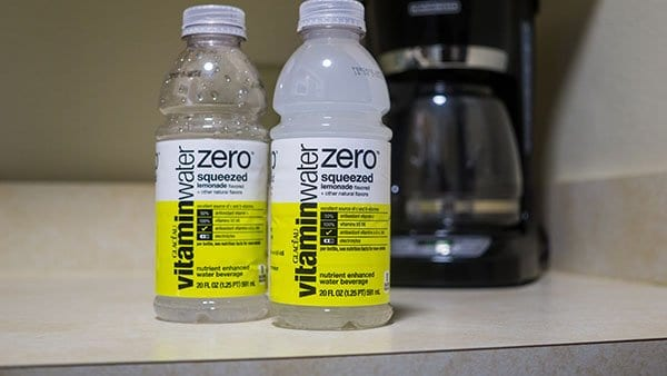 How to stay Hydrated when Traveling - vitaminwater