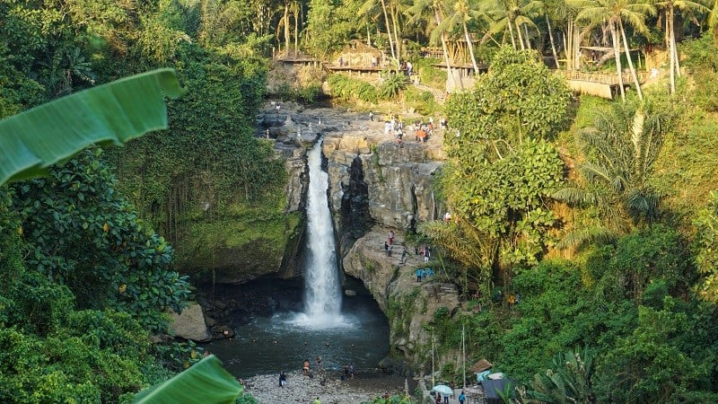 places to take photos in Bali - Tegenungan Waterfalls
